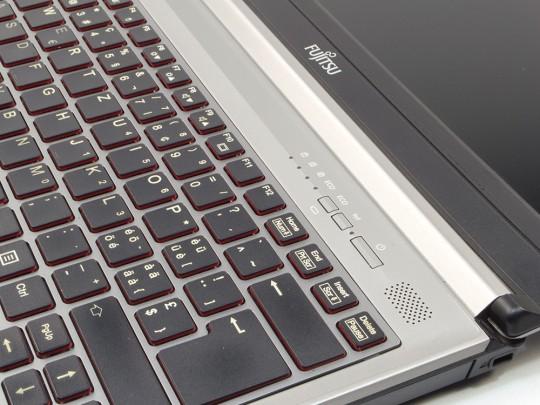 FUJITSU LifeBook E733 Notebook - 1522909 #4