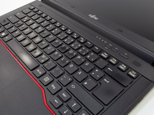 "Fujitsu LifeBook E547 repasovaný notebook, Intel Core i5-7200U, HD 620, 8GB DDR4 RAM, 256GB SSD, 14"" (35,5 cm), 1366 x 768 - 1524345 #3"