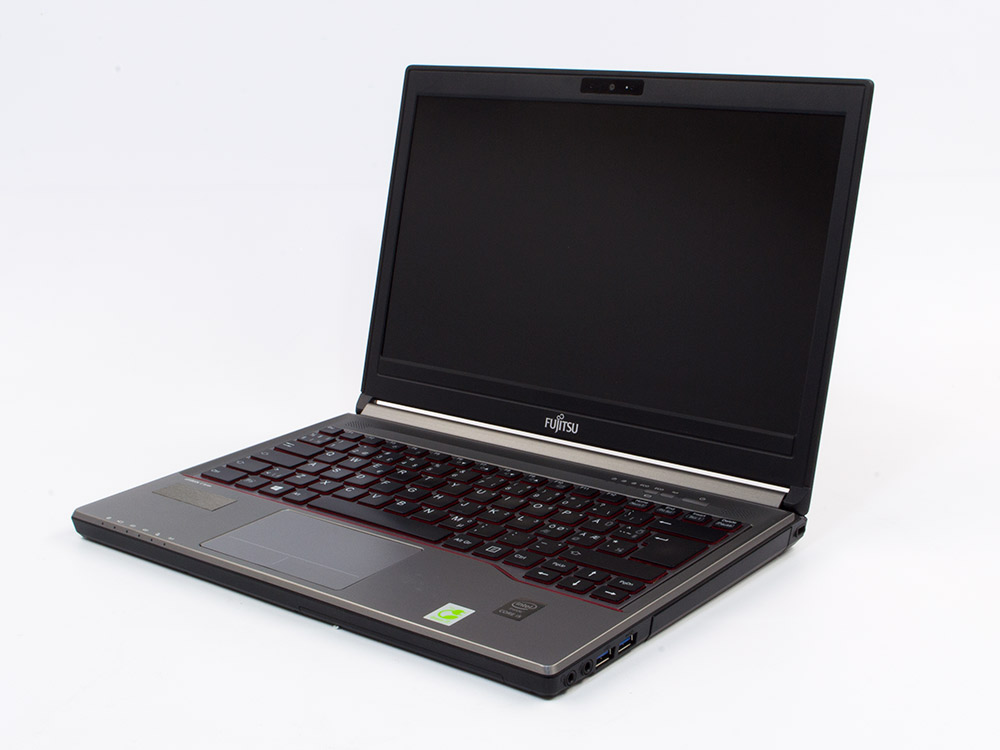 "Fujitsu LifeBook E734 - i5-4210M   8GB DDR3   240GB SSD   DVD-RW   13,3""   1366 x 768   Webcam   HD 4600   Win 10 Pro   Bronze"