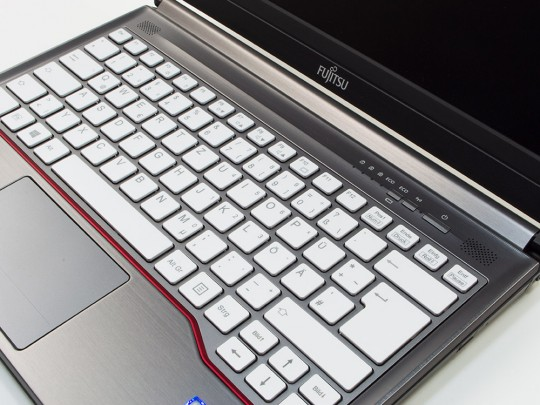 "Fujitsu LifeBook E736 repasovaný notebook, Intel Core i5-6300U, HD 520, 4GB DDR4 RAM, 500GB HDD, 13,3"" (33,8 cm), 1366 x 768 - 1524950 #2"