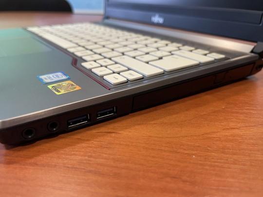 "Fujitsu LifeBook E736 repasovaný notebook, Intel Core i5-6300U, HD 520, 4GB DDR4 RAM, 500GB HDD, 13,3"" (33,8 cm), 1366 x 768 - 1525896 #3"